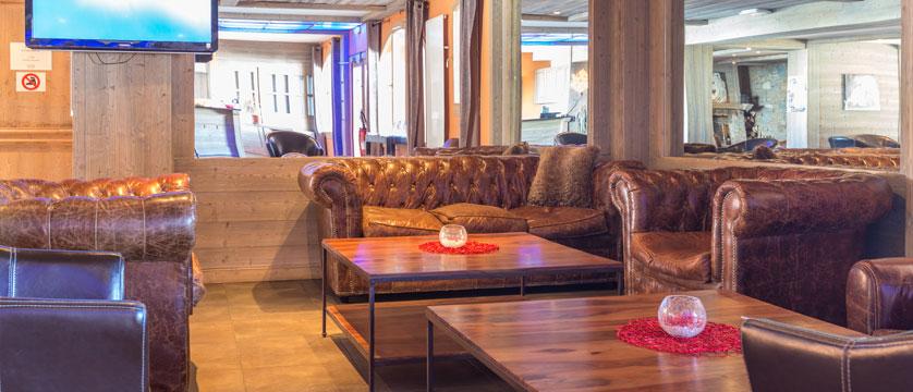 France_LaPlagne_Hotel-Vancouver_reception.jpg
